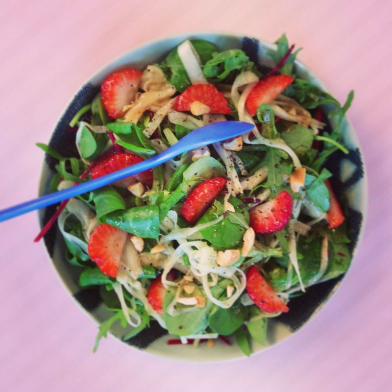 Salade-asperges-fraises-noixdecajou