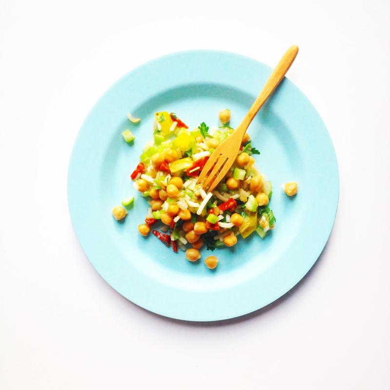 Salade-poischiches-celeri-prunes-soja-chorizo